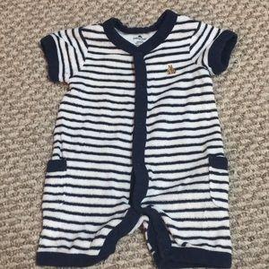 5/$10 baby gap bodysuit